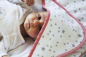 Ręcznik z kapturkiem idealny do kąpieli noworodka