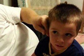 Tata ukradł dziecku nos – zobacz reakcję chłopca na psikus rodzica
