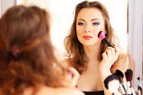 Zadbana mama, czyli kilka słów o ekspresowym makijażu