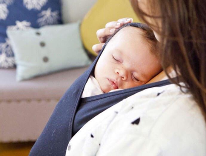 Nowy gadżet ułatwiający noszenie niemowlaka