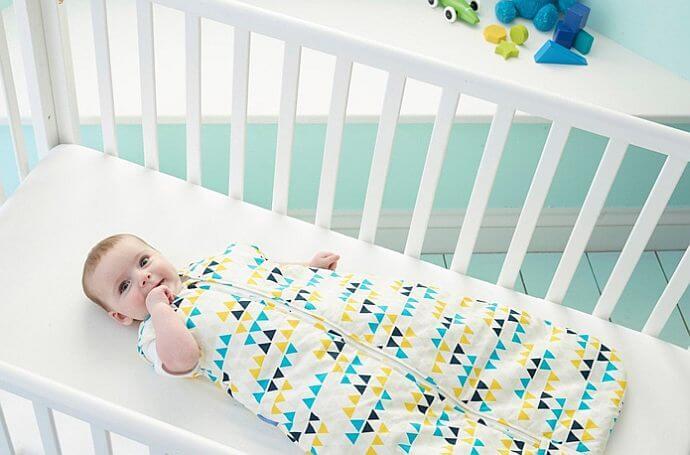 Śpiworek rozwiązaniem dla rozkopujących się w nocy dzieci