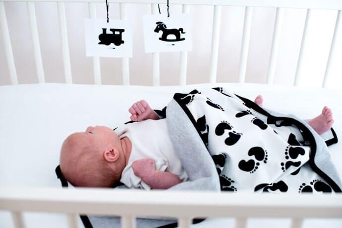 Czarno-biała wyprawka w modnym skandynawskim stylu