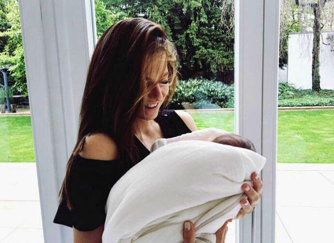 Anna Lewandowska po raz pierwszy z córeczką Klarą