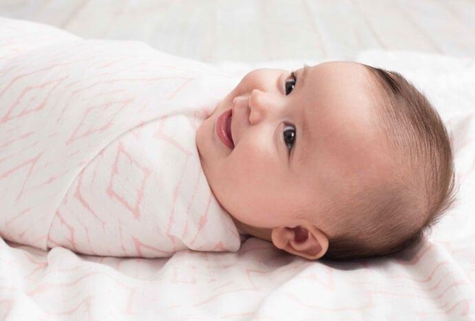 Otulacz bambusowy dla niemowląt na lato – poznaj idealne okrycie