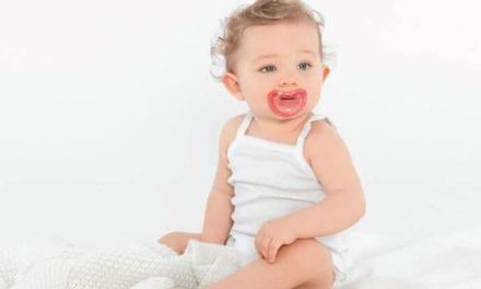 Dlaczego warto wybrać smoczki Curaprox Baby?
