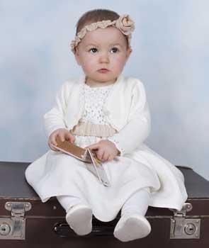 W co ubrać maluszka na chrzciny?