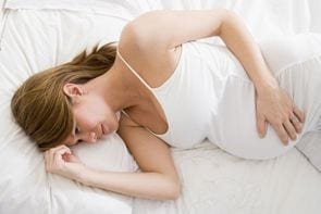 Jak spać w ciąży?