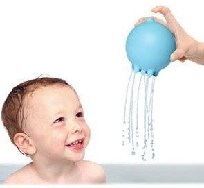 Deszczowa piłka Plui sprawi, że każda kąpiel będzie super przygodą