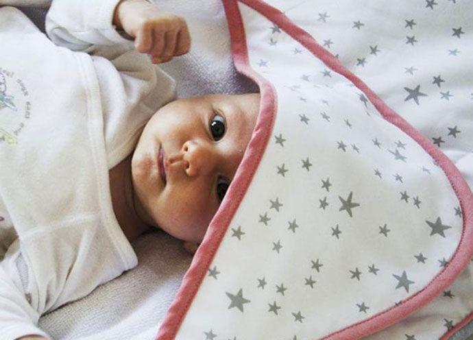 2cb2e936e Ręcznik z kapturkiem idealny do kąpieli noworodka