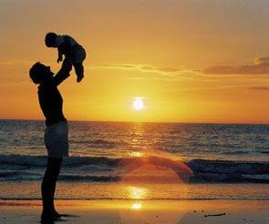 SPF 50, czyli bezpieczne opalanie wrażliwej skóry mamy i dziecka!