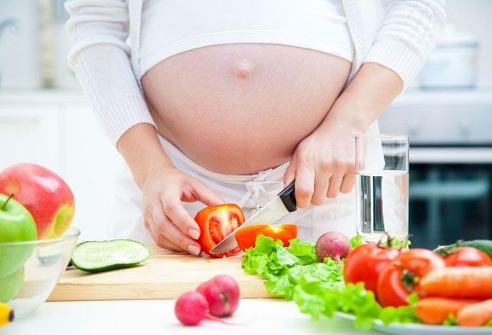 Jak powinna wyglądać dieta kobiety w ciąży?