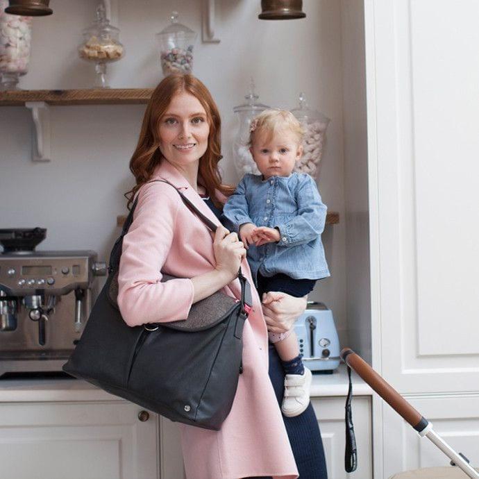 Praktyczna i pojemna torba dla mamy na wiosnę