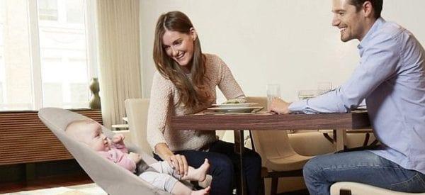 Leżaczek dla niemowlaka - zbędny gadżet czy przydatne rozwiązanie