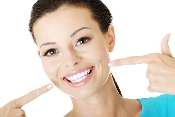 Białe zęby – tajemnica pięknego uśmiechu gwiazd
