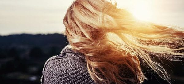 Słabe i wypadające włosy to problem wielu kobiet i mężczyzn