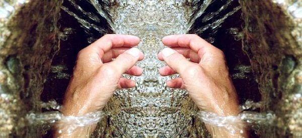 Jak w prosty sposób zadbać o dłonie