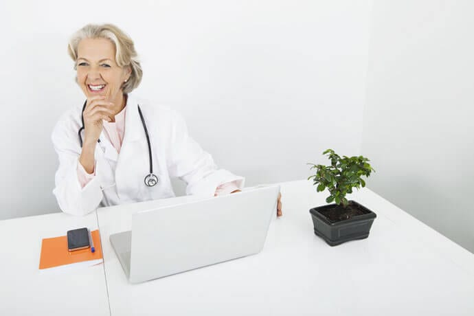 Podwyższona prolaktyna u kobiety – o czym może świadczyć?