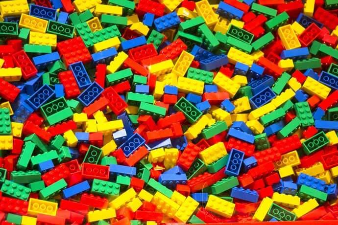 Czy wiesz, w czym tkwi sekret klocków LEGO?