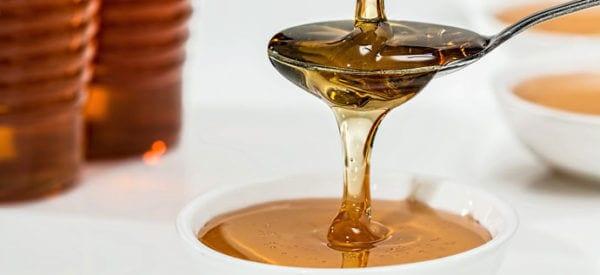 Miód - złoty lek czy szkodliwy smakołyk? Sprawdź jaka jest prawda!