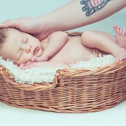Wrażliwa skóra niemowlaka – pielęgnacja krok po kroku