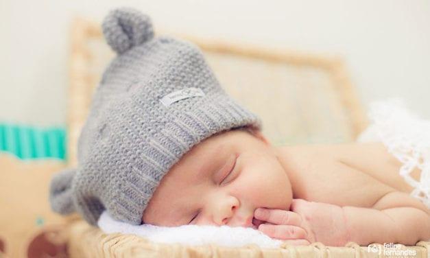 Jak wybrać rozmiar czapeczki dla noworodka?