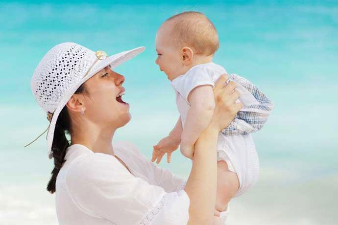 Woda dla niemowląt i dzieci – czy(m) je poić?