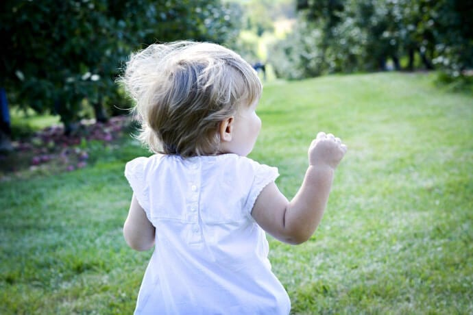 Upały a niemowlę – jak pomóc dziecku w czasie wysokich temperatur?