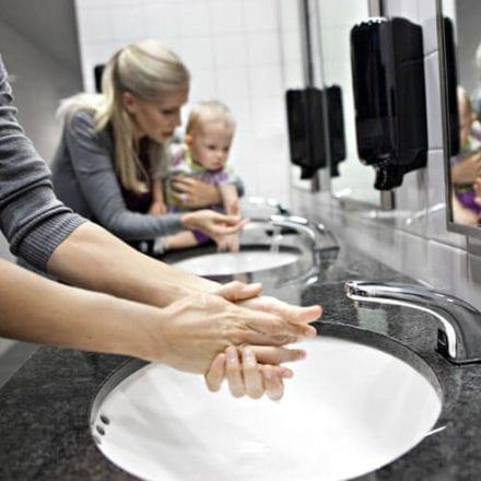 Myjąc ręce możesz uszczęśliwiać innych  i zachęcać ich do działania