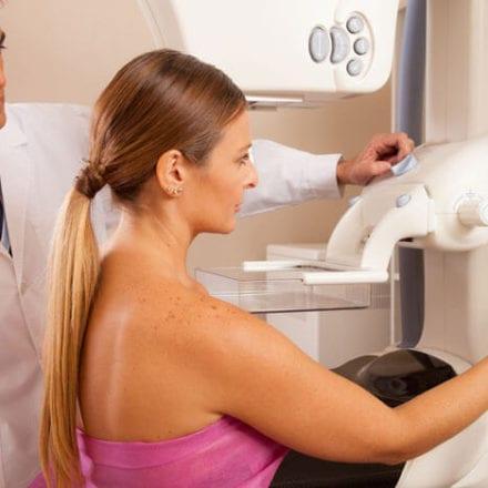 Na czym polega profilaktyka raka piersi? Przeczytaj porady ginekologa