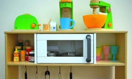 Kuchnia drewniana – prezent dla chłopca i dziewczynki