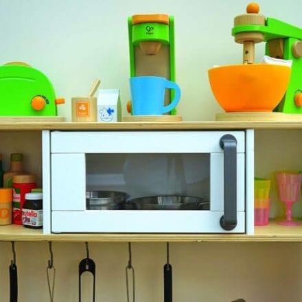 Kuchnia drewniana - prezent dla chłopca i dziewczynki