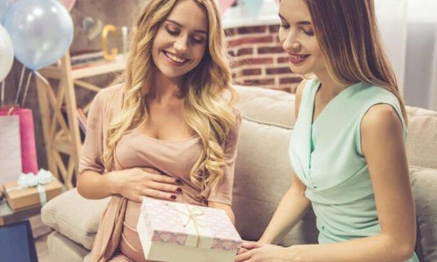 Baby shower w Twoim domu, a Ty już nie możesz się ruszać? Zatrudnij pomoc domową, która pomoże Ci przygotować mieszkanie na spotkanie z przyjaciółkami