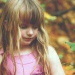 Jak modnie ubrać dziewczynkę? Wakacyjne trendy