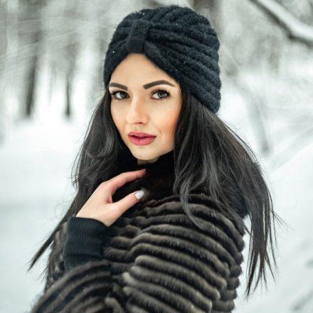 Jak dbać o włosy w zimowe dni?