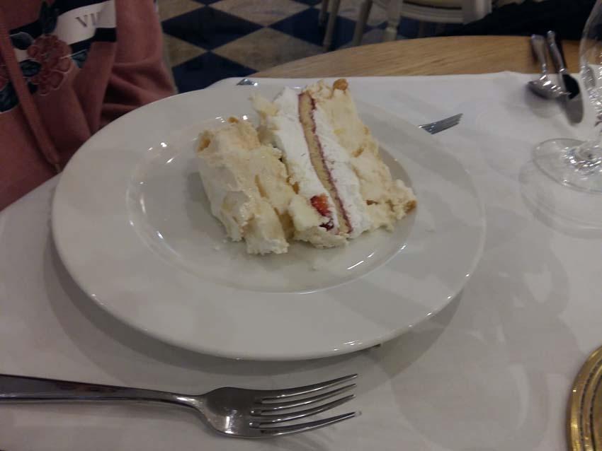tort bezowy Pałac Alexandrinum