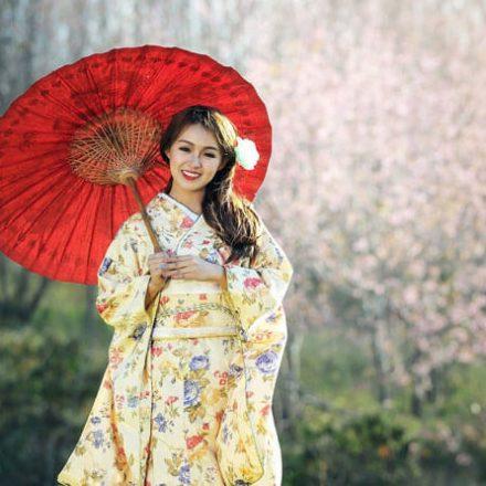 Poznaj orientalne składniki w kosmetykach: żeń-szeń, kamelia i algi