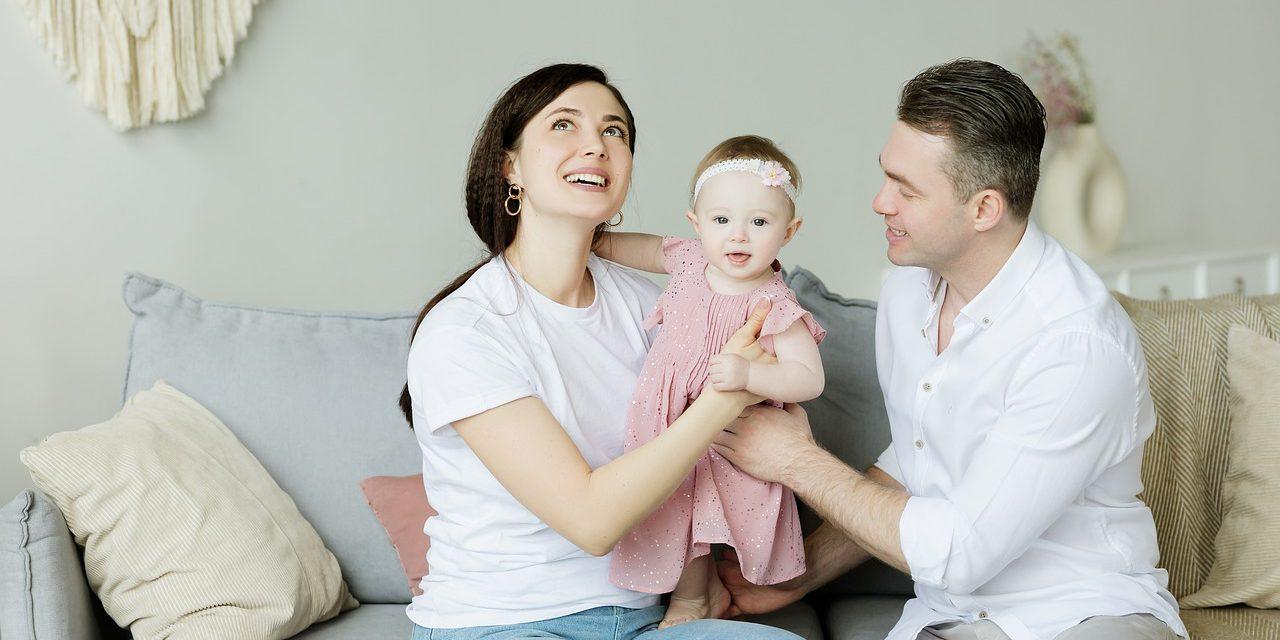 Jak dbać o związek, gdy pojawia się dziecko?