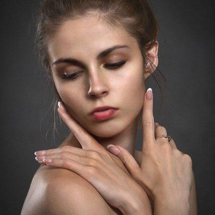 Jak zregenerować zniszczone paznokcie?