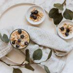 Dlaczego warto jeść granolę? Poznaj 5 powodów