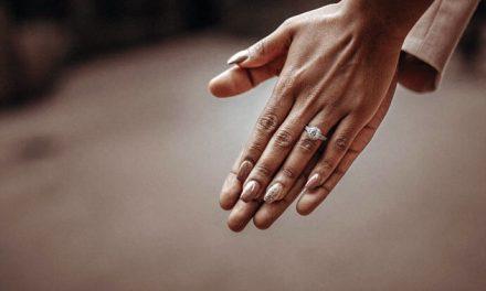 Olej konopny i szafranowy w kosmetykach do pielęgnacji dłoni