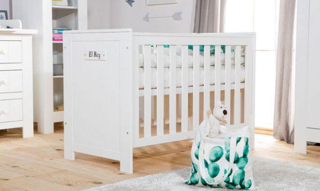 Drewniane meble dla niemowlaka – pozytywny wpływ na zdrowie dziecka